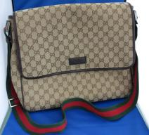 GUCCI  Canvas messenger bag