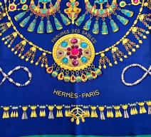 HERMÈS SEIDENFOULARD 'PARURES DES SABLES'