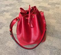 LOUIS VUITTON GRAND SAC NOÉ EPI LEDER ROT